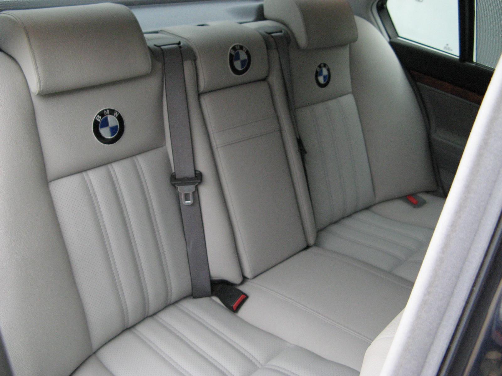 2A.BMW.750.JPG